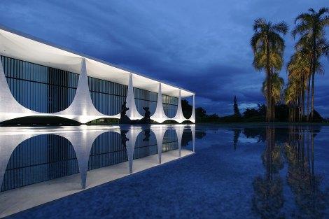 Palacio_da_Alvorada_Exterior